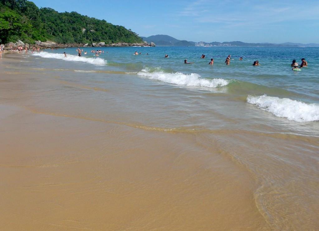 Praia-de-Laranjeiras-2