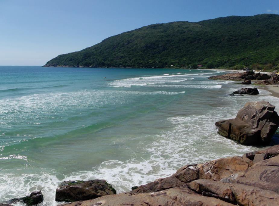 Praia do Matadeiro, início da trilha para chegar à Lagoinha do Leste partindo do Matadeiro...
