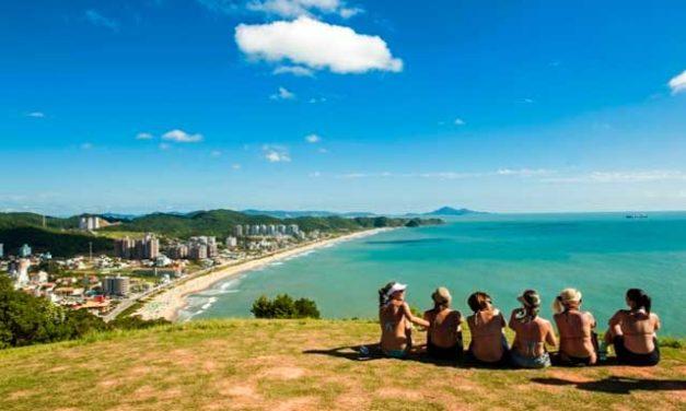 Praia Brava – Guia com Fotos, Mapa e mais!