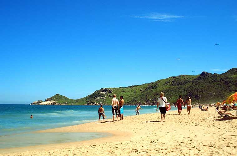 Praia Mole: Guia com Fotos, Vídeo, Mapa e mais!