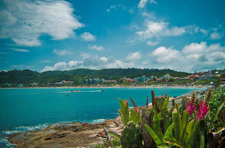 Praia de Quatro Ilhas – Guia com Fotos, Vídeo, Mapa e mais!